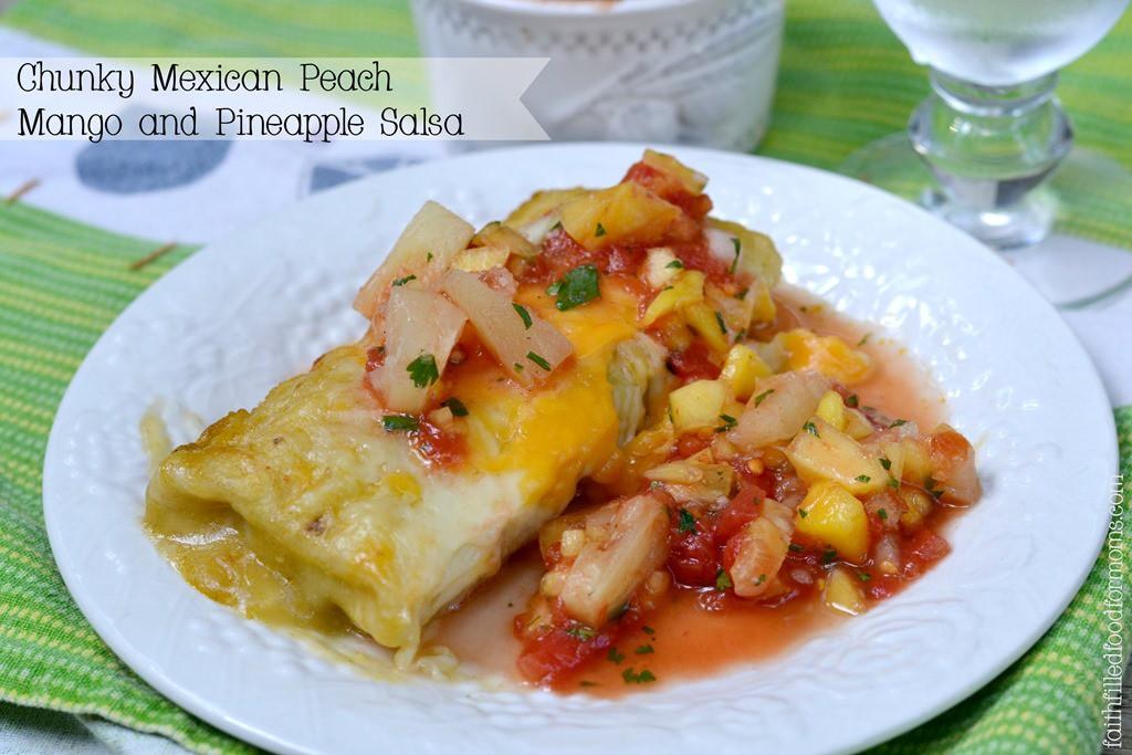 Chunky-Mexican-Peach-Mango-and-Pineapple-Salsa-_HuntsFreshTwists.jpg