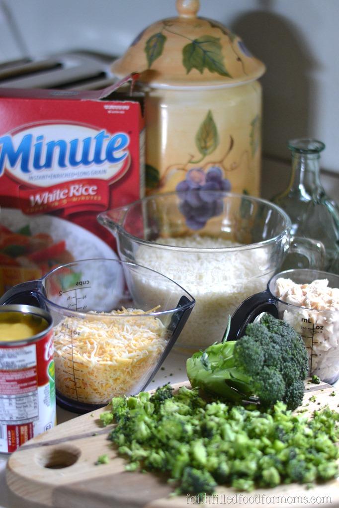 Cheesy Broccoli Chicken and Rice #MinuteMeals