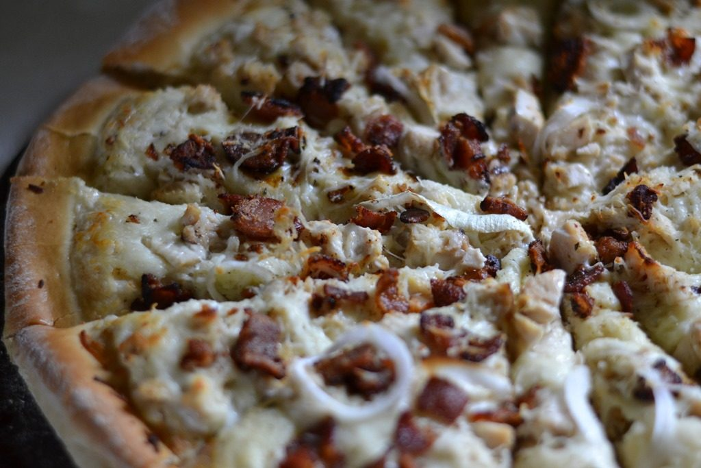 chicken, bacon & ranch pizza