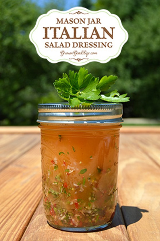 mason-jar-Italian-salad-dressing-vert-growagoodlife